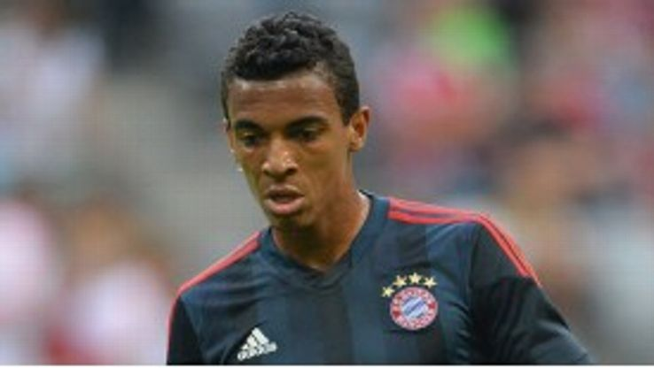 Luiz Gustavo is attracting interest from Wolfsburg.
