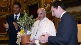 Lionel Messi and Gianluigi Buffon meet Pope Francis.