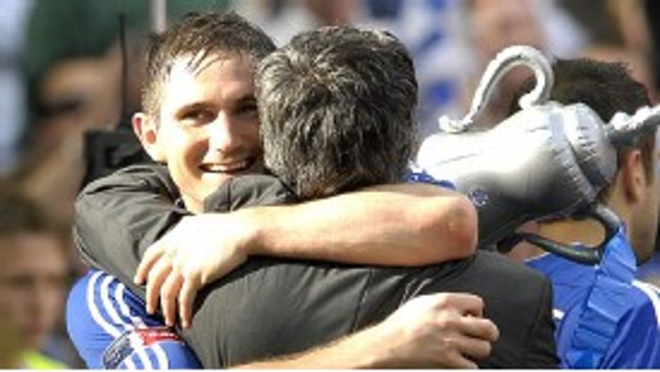 Frank Lampard and Jose Mourinho celebrate.