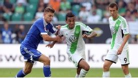 Luiz Gustavo in action for Wolfsburg.