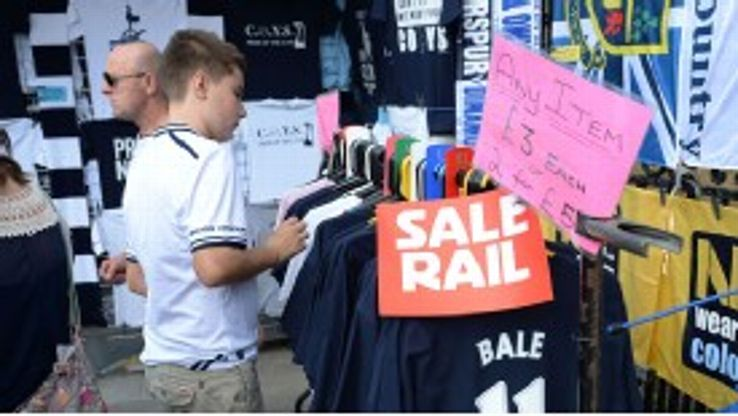 Vendors sell off Gareth Bale merchandise at discount prices ahead of Sunday's game with Swansea.