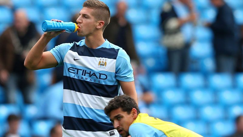 Matija Nastasic returned to the Manchester City defence against Hull