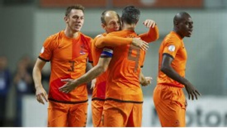 Robin van Persie's late penalty spared Netherlands' blushes against Estonia.