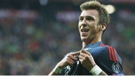 Mario Mandzukic doubled Bayern Munich's lead against CSKA before half-time.
