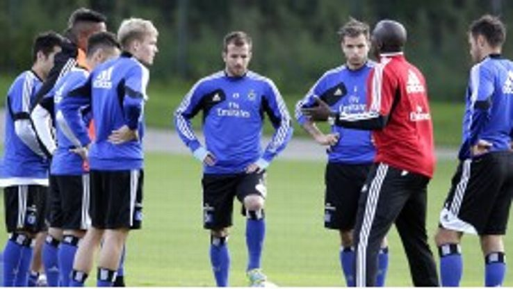 Hamburg players train following the departure of manager Thorsten Fink.