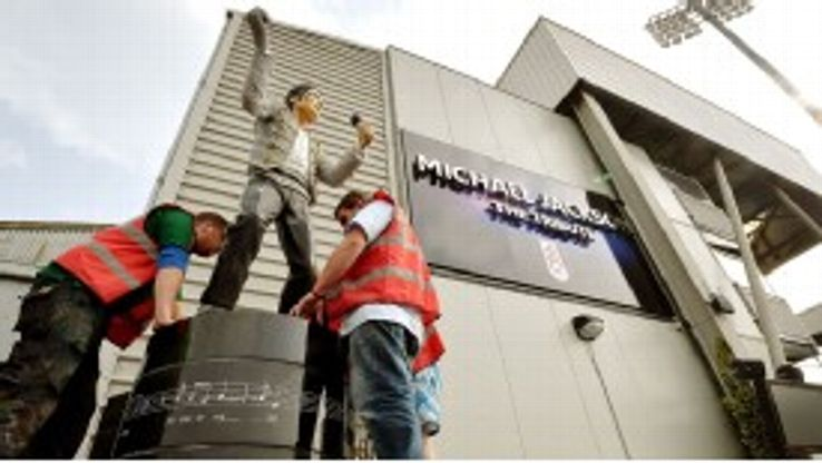 Fulham remove the statue.