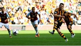 Robbie Brady nets from the spot for Hull.