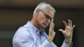 Claudio Ranieri's Monaco has crashed out of the Coupe de la Ligue.
