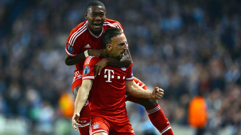 David Alaba and Franck Ribery of Bayern Munich celebrate.