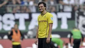 Borussia Dortmund defender Mats Hummels has been linked with a move to Barcelona.