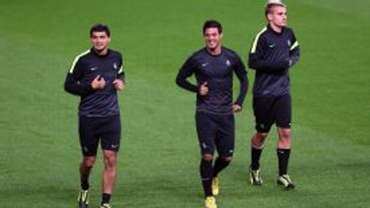 Chori Castro, Carlos Vela and Antoine Griezmann take to the Old Trafford pitch ahead of Wednesday's game.