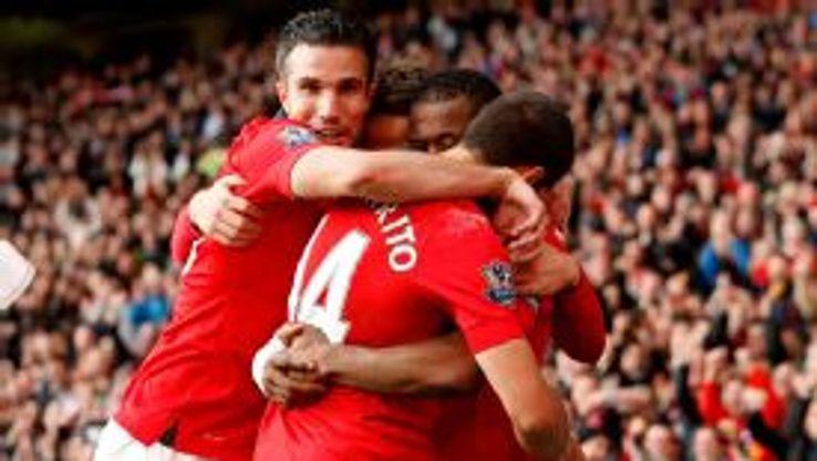 Manchester United celebrate Javier Hernandez's winning goal.