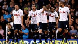 Tottenham celebrate after Gylfi Sigurdsson's fine goal gave them the lead against Hull City.
