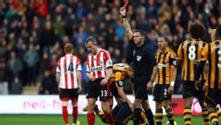 Lee Cattermole is sent off against Hull.