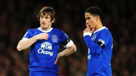 Steven Pienaar feels his partnership with Leighton Baines is getting back to its best.