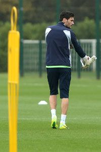 Hugo Lloris Tottenham training
