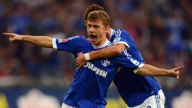 Max Meyer wants to remain at Schalke.