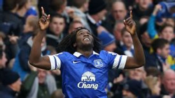 Romelu Lukaku thundered home a header to put Everton 3-2 up.