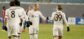 Arjen Robben is congratulated by Toni Kroos after opening the scoring against CSKA Moscow.