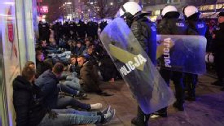 Reports claim as many as 200 Lazio fans were detained in the Polish capital.