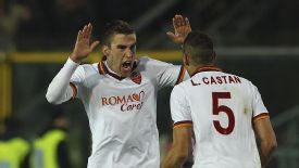 Kevin Strootman salvaged a late point for Roma at Atalanta.
