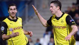 Late show sends Dortmund through