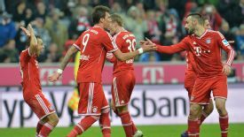 Mario Mandzukic is congratulated on his goal for Bayern Munich against Hamburg.