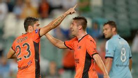 Dimitri Petratos (L) led the Brisbane Roar to a 5-2 win over Sydney FC.