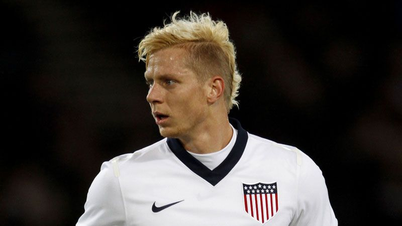 Brek Shea has completed his loan switch to Barnsley.