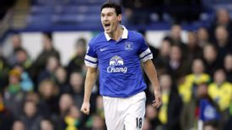 Everton's Gareth Barry celebrates scoring his side's first goal of the game