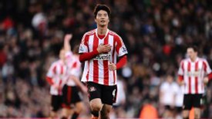 Sunderland's Ki Sung-Yeung celebrates scoring his team's second goal