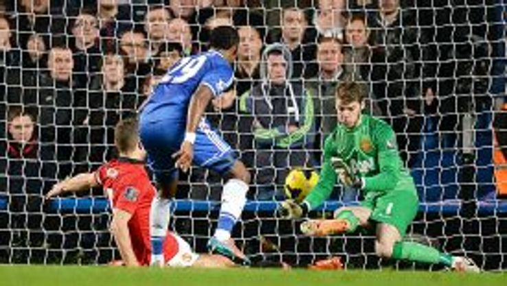 David de Gea fails to keep out Samuel Eto'o's shot which put Chelsea two goals up.