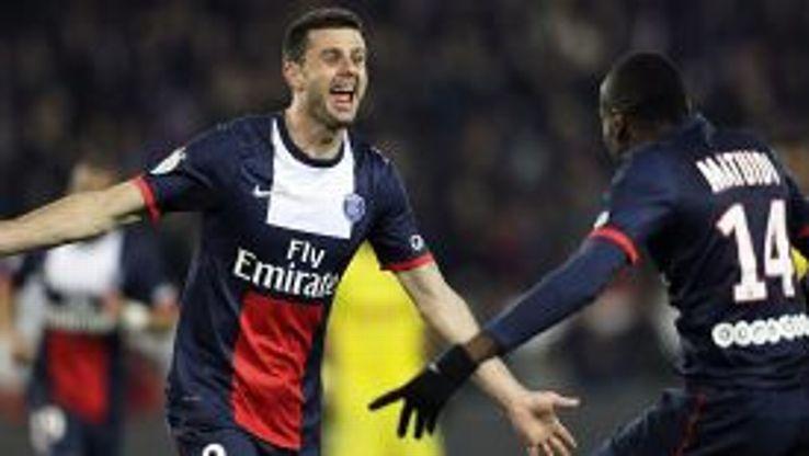 Thiago Motta celebrates his goal with Blaise Matuidi.