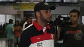 Ibson, pictured at an airport in 2012 while playing for a Flamengo.