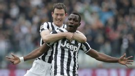 Kwadwo Asamoah celebrates after netting Juve's opening goal.
