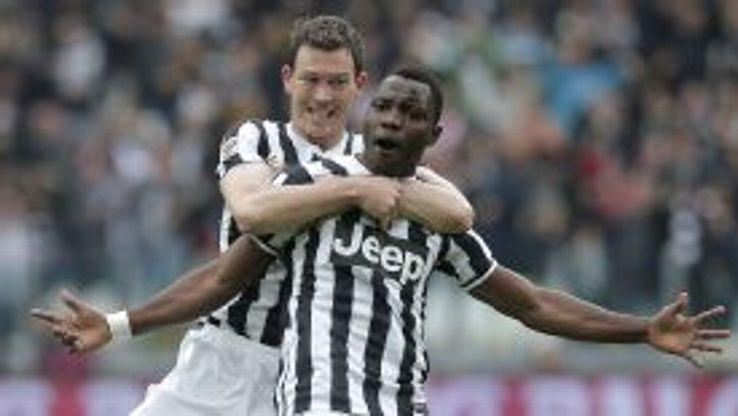 Kwadwo Asamoah celebrates after netting Juve's opening goal.