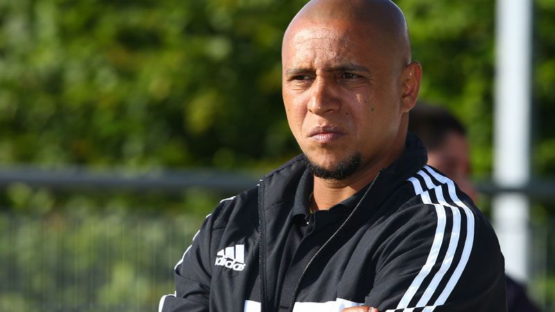 Roberto Carlos is cutting his teeth in management and still has some things to learn.