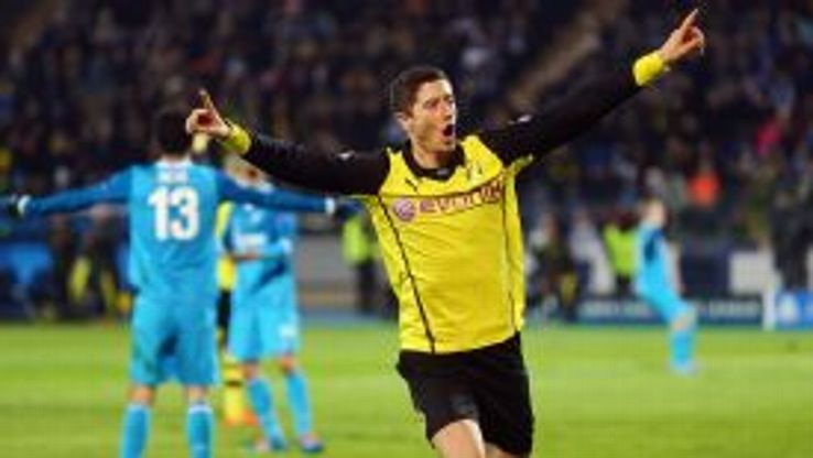 Robert Lewandowski first goal celeb Dortmund vs Zenit