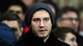 Nicklas Bendtner is unhappy about his lack of playing time at Arsenal.