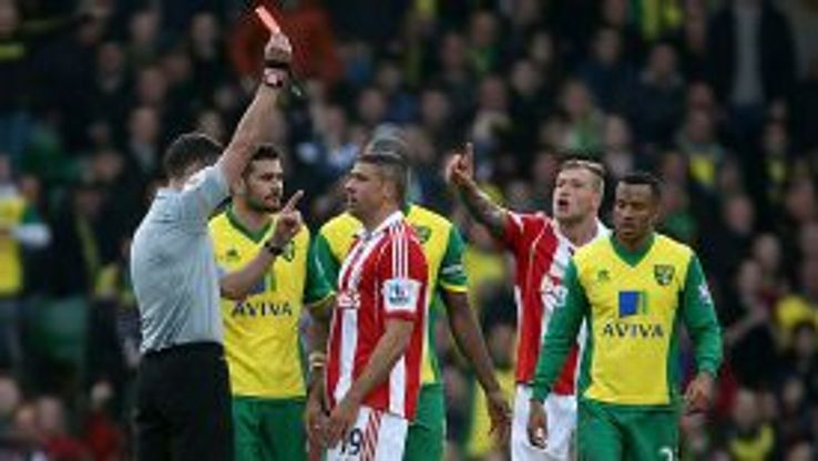 Stoke's Jonathan Walters is sent off at Norwich City.