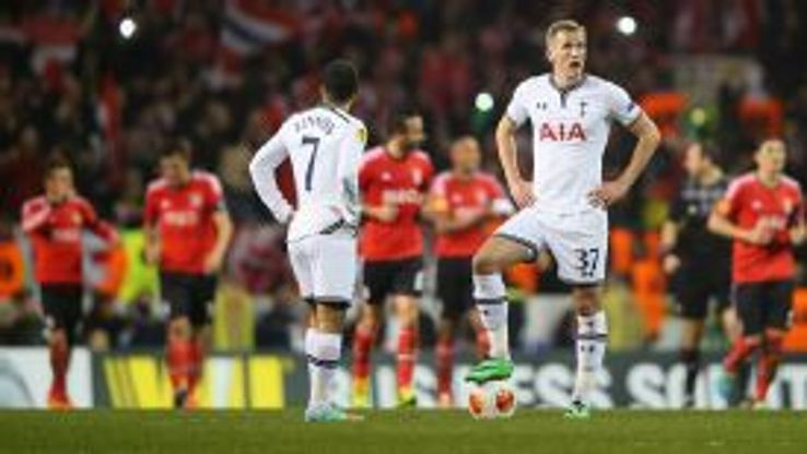 Harry Kane and Aaron Lennon look dejected during their side's defeat.