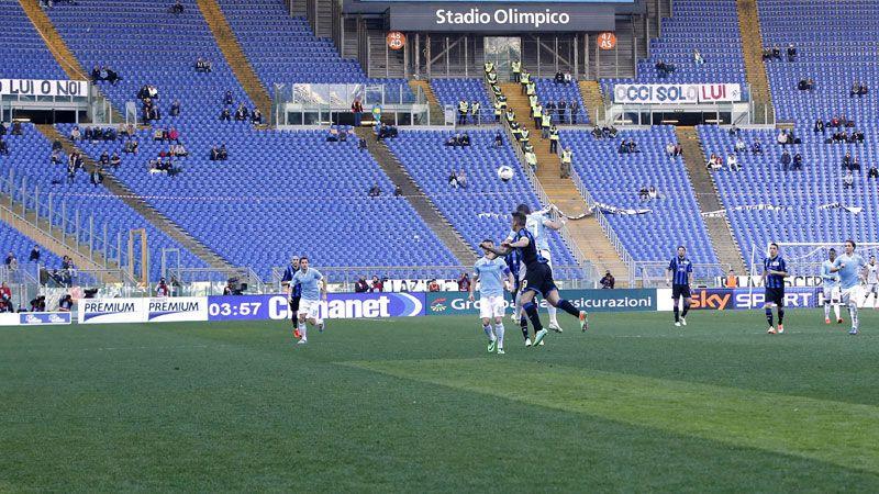 Lazio faced Atalanta in front of a near-empty stadium.