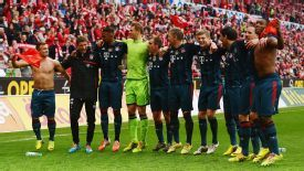 Bayern Munich celebrate their 2-0 win over Mainz.