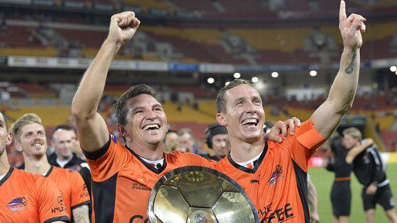 Brisbane Roar celebrate clinching the Premiers Plate.