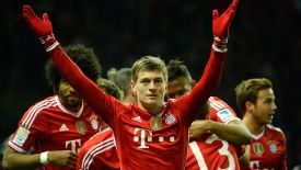 Toni Kroos celebrates for Bayern