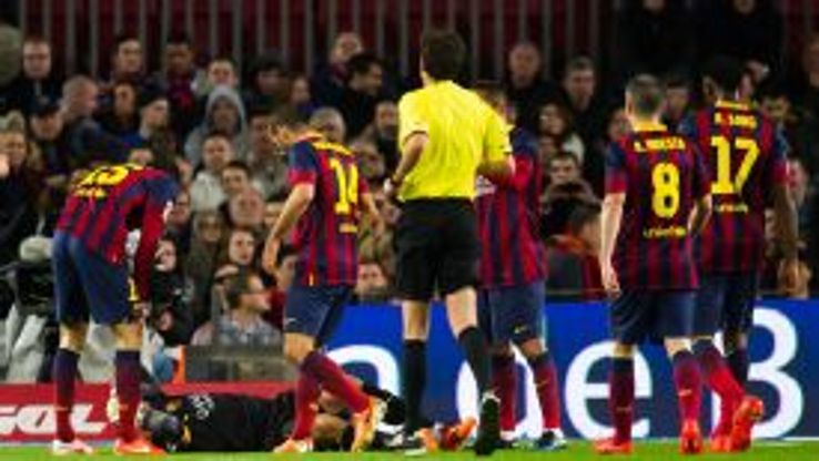 Victor Valdes' injury marred Barcelona's victory over Celta Vigo.