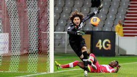Guillermo Ochoa in action for Ajaccio against Toulouse