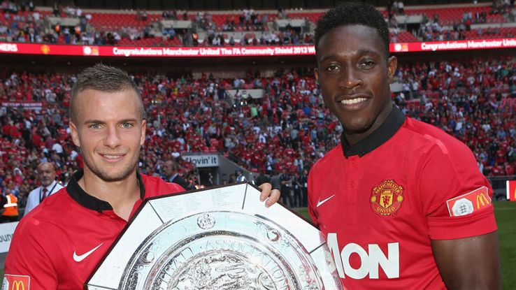 Danny Welbeck and Tom Cleverley lifting the COmmunity Shielf in August 2013