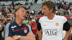 Edwin van der Sar spent many years working under Louis van Gaal.