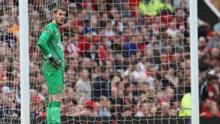 David de Gea shows his frustration after conceding against Sunderland.